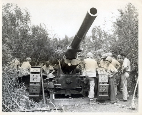 OMG...Look at the size of that 155mm Marine barrel!