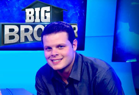 Big Brother Live Feeds - Derrick Levasseur (CBS)