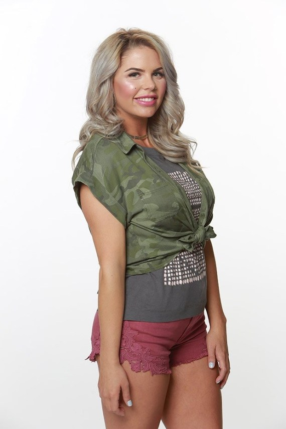 Big Brother 19: Elena Davies