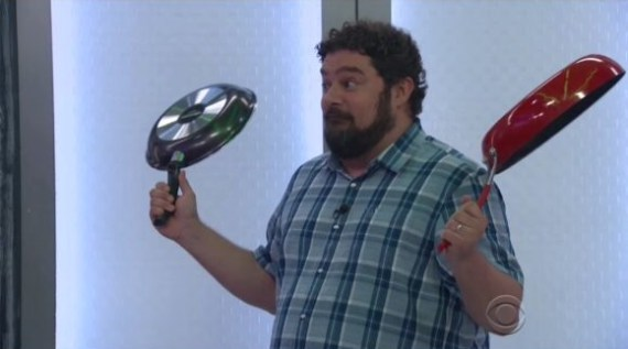 Bobby Moynihan vists Big Brother 19