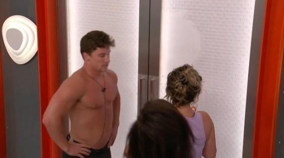 Big Brother 20 Brett Robinson, Sam Bledsoe, Rachel Swindler broke Big Brother door