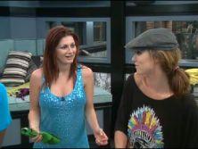 Rachel and Cassi 2011-07-12 15.47.32