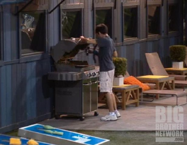 Ian saves the monkey on Big Brother 14