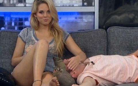 Aaryn flirts with Judd