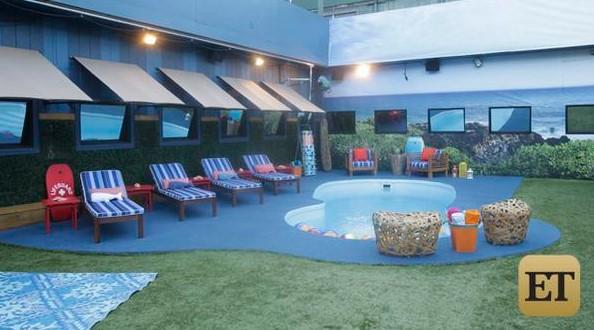 Big Brother 17 House - Backyard pool