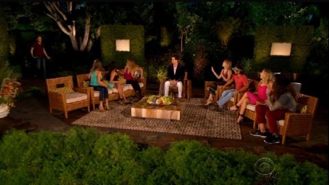 bb17-epi40-finale-jury-round-table-03