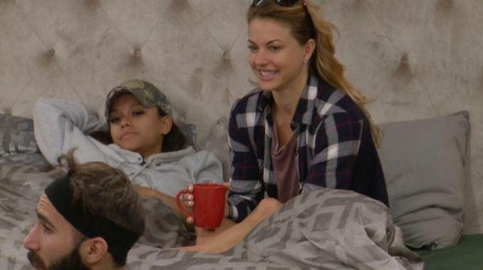 Houseguests await Veto comp on BB19