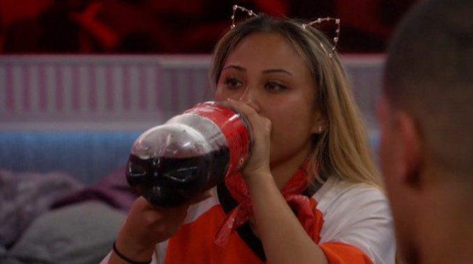 Alex enjoys her last Coke in BB19