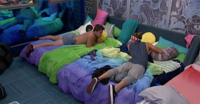 BB20-Live-Feeds-0810-PM-8
