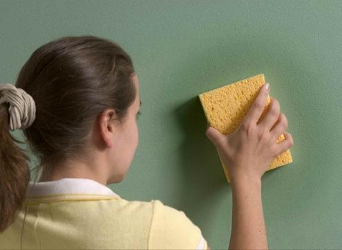 Очистка окрашенных стен