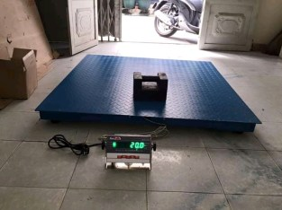 platform floor scale industrial weighing scale 1 ton in mukono