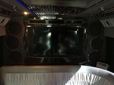 15 interior 11 1 - 27 Passenger<br>Party Bus</br>Limo #23