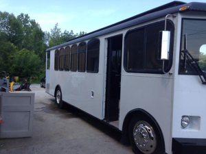 22 passenger gmc trolley exterior 2 - 22-passenger-gmc-trolley-exterior-2