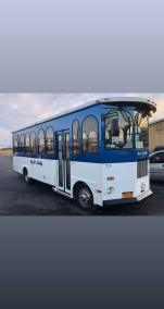 24 exterior 1 - 24 Passenger<br>Classic Trolley</br>Limo #24