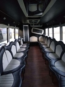 bus 27 interior 3 - 25 Passenger<br>550 Party Bus</br>Limo #33