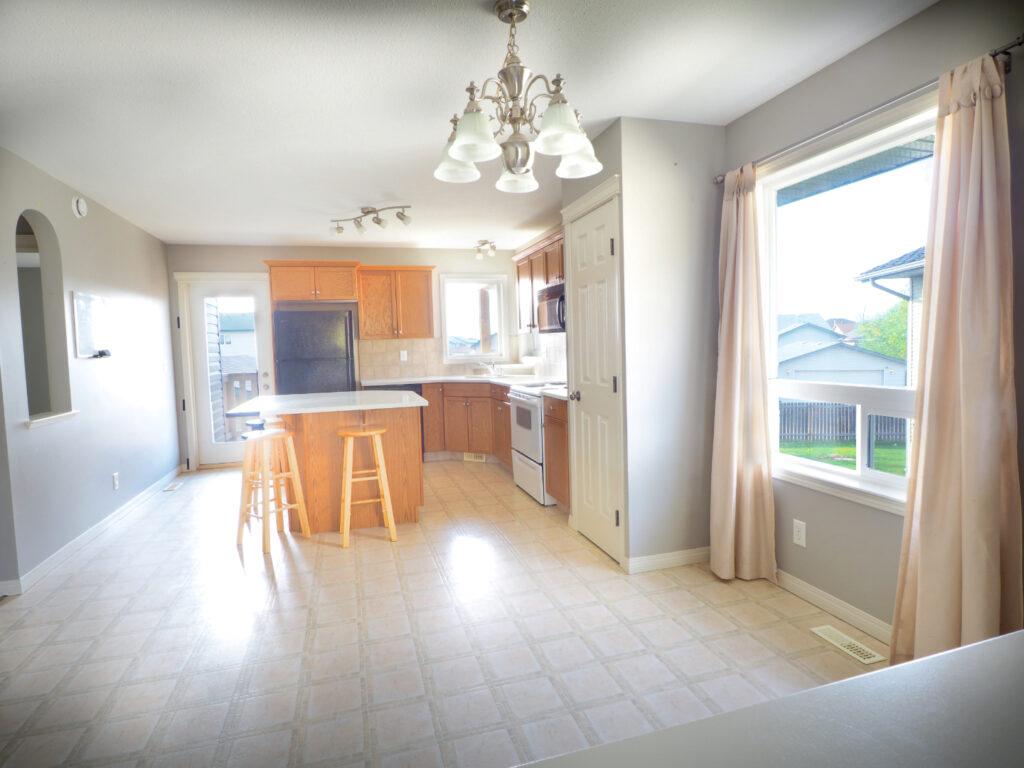 14 Ing close kitchen