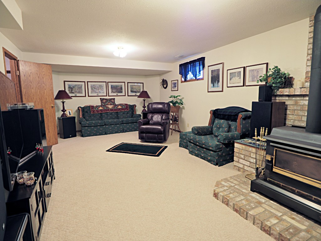 family room at 19 Elder