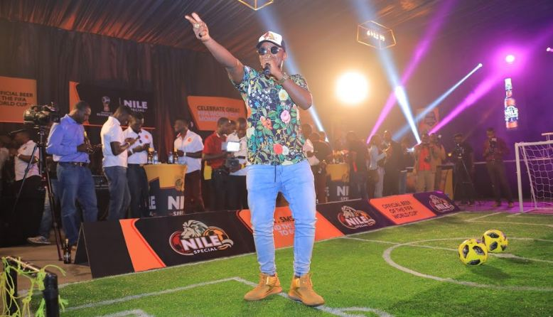 Ykee Benda entertains guests at the launch ceremony.