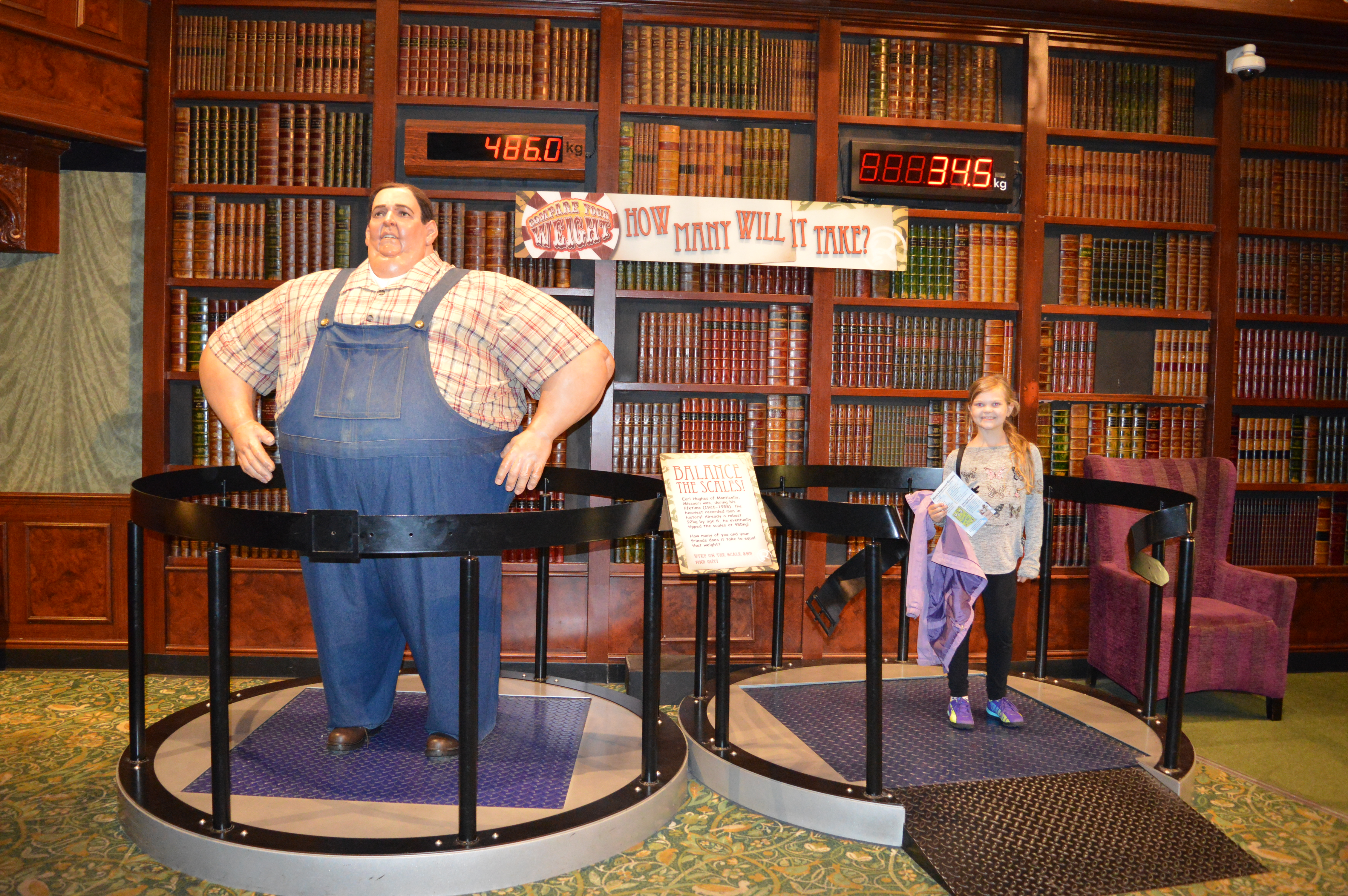 Eowyn weighing herself against the worlds heaviest man