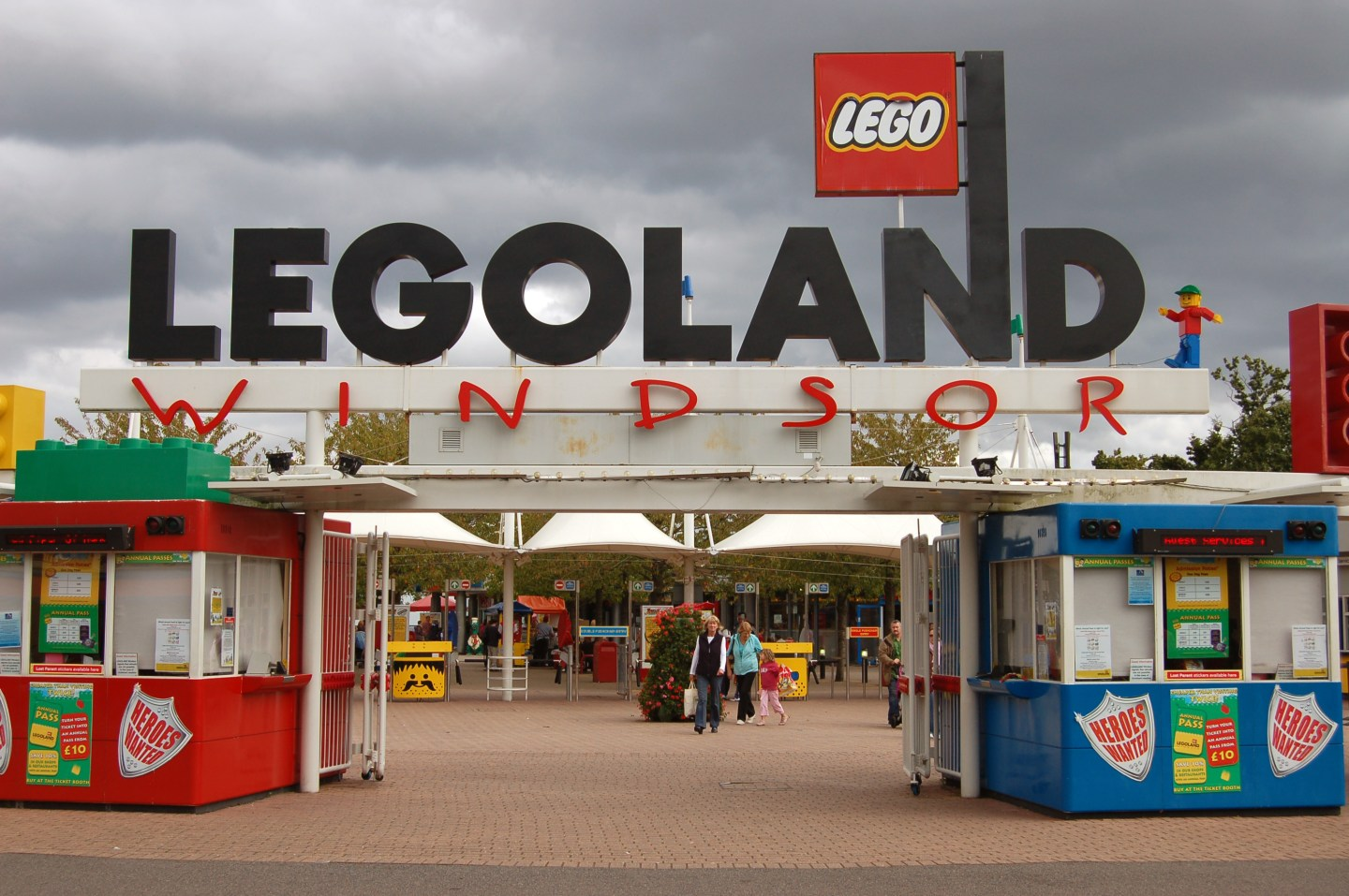 Legoland Windsor Nearest Hotels To UK Theme Parks