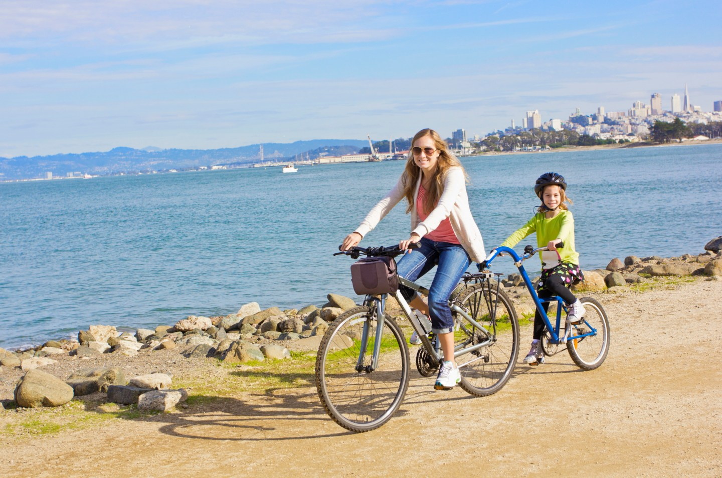 Family Bike Vacay: Choosing the right bicycle gear for travelling with kids with a tag along