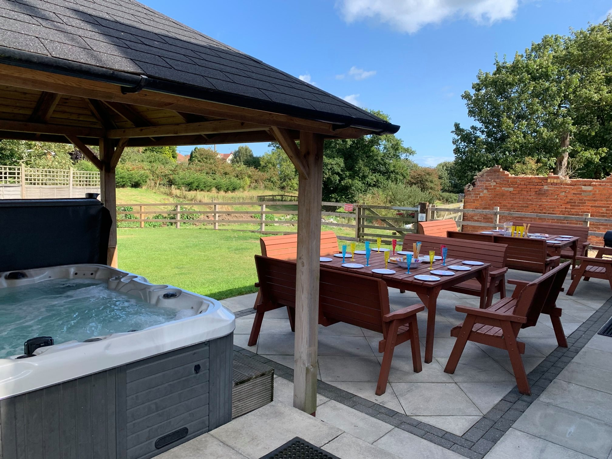Hot Tub Breaks Yorkshire Book This House