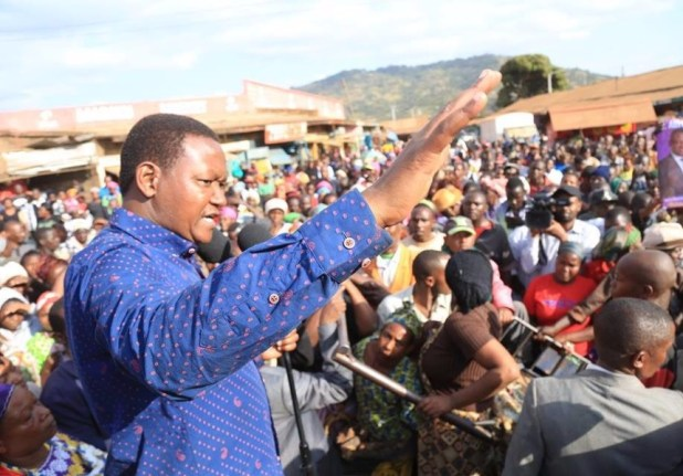 Alfred Mutua mocks Nasa supporters who shouted him down while campaigning for Uhuru