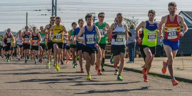 Massed runners in mile one. Photo: Paul Langshaw Photography