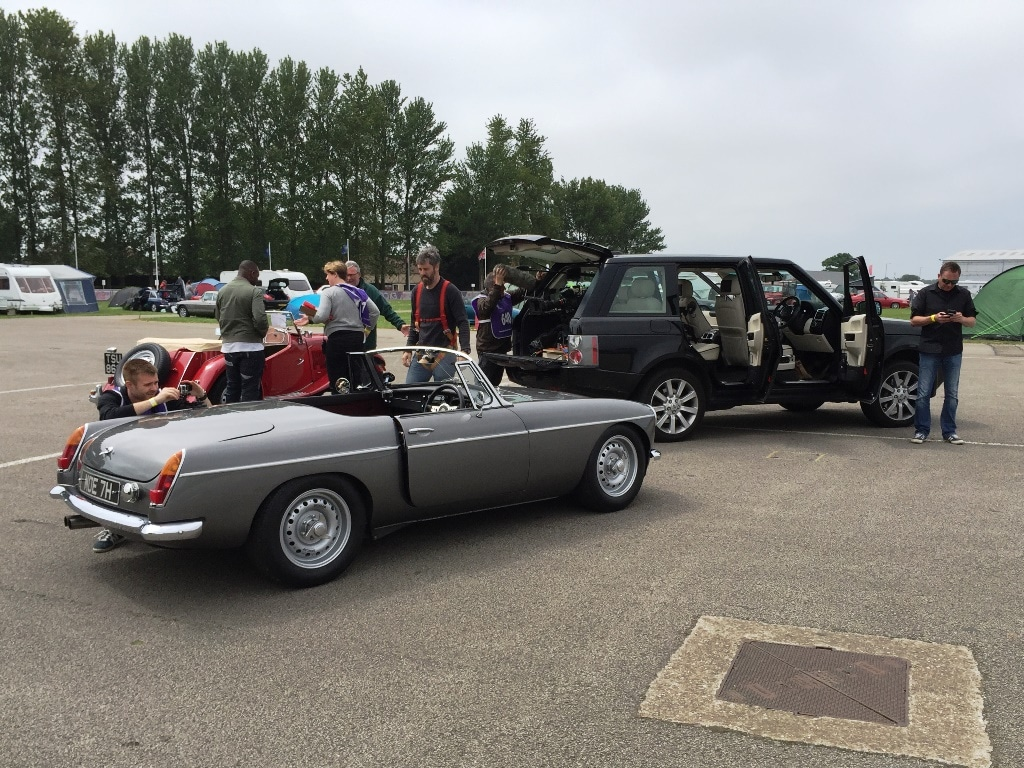 Extra Gear preparing the MG Abingdon for its circuit tour