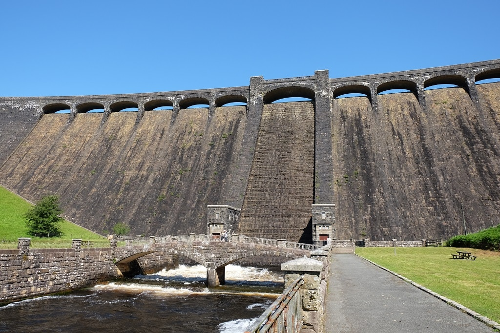 Claerwen dam taking from past the lower car park