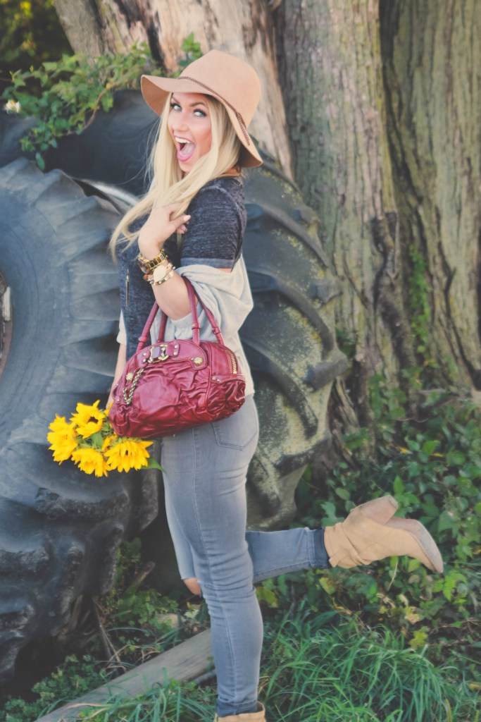 Falling for Jewel Tones- Todays #ootd and 10 jewel toned accessories to help you transition to fall.