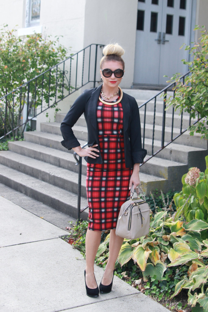 Mad for Plaid: A plaid pencil dress for the office