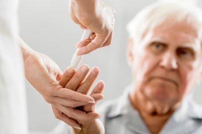 elderly-man-diabetes-glucose