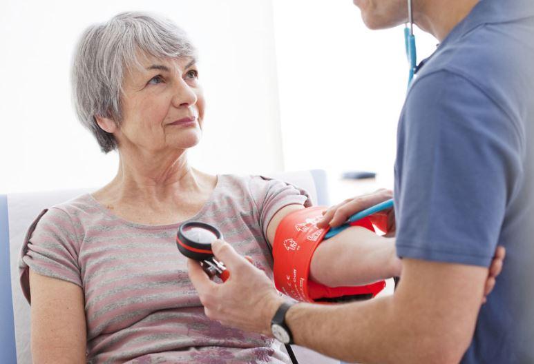 warning-signs-risks-stroke-elderly