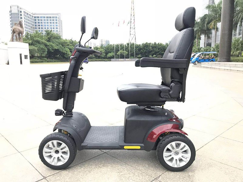 Big Mikes mobility scooter Summit K2 - gallery-k2-outdoor-side