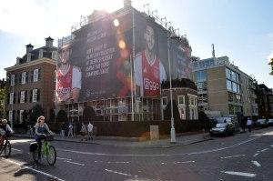 Big Outdoor Media steigerdoekreclame locatie Museumplein Ajax Amsterdam