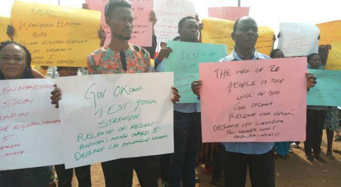 Youths Shut Down DSIEC Headquarters In Asaba After Controversial Council Polls
