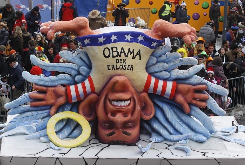 6138 Странные карнавальные платформы с Обамой