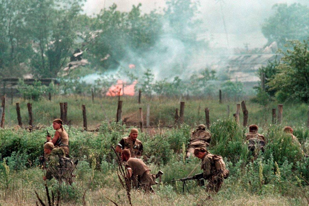 12756786 Первая Чеченская война в фотографиях Александра Неменова