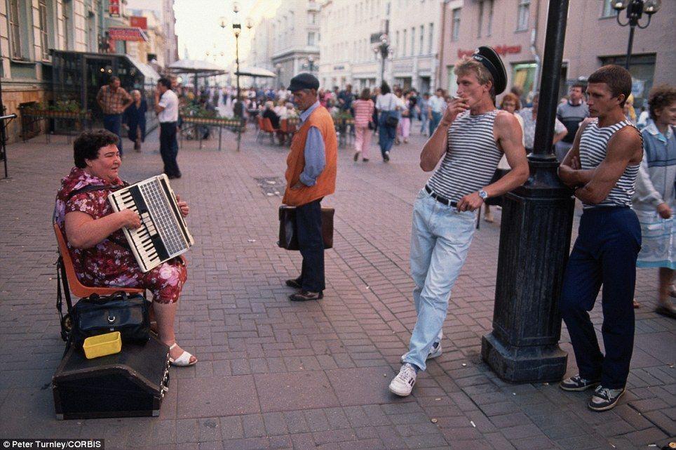 endofussr06 Фотографии о последних днях СССР