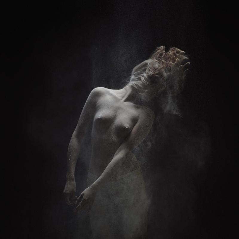 olivier4 Прах   нетривиальная эротика от Оливера Вальсеччи