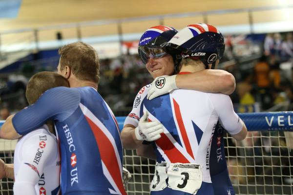 """One of the fastest tandem kilo times in history"" - British Cycling"