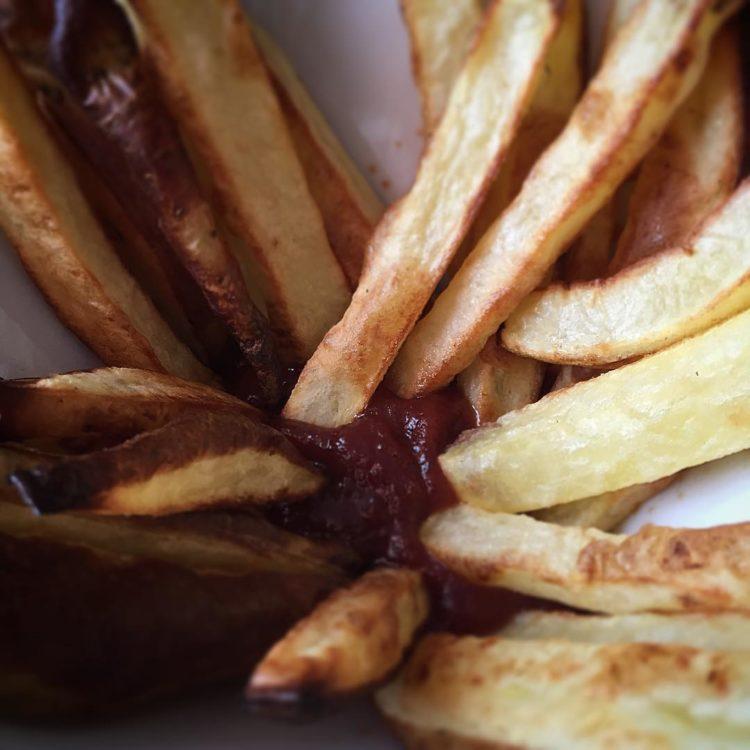 Homemade baked frites:)