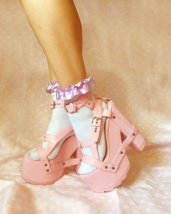 pastel-purple-ribbon-ankle-socks