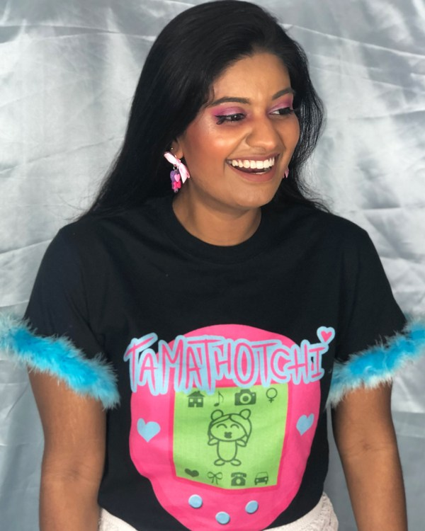 black-tamathotchi-tamagotchi-tee-shirt