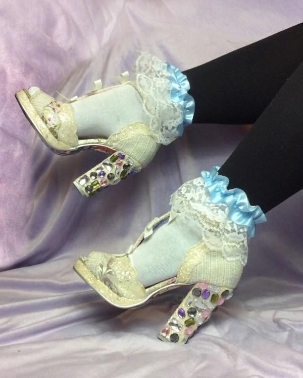 pastel-blue-ribbon-white-lace-socks