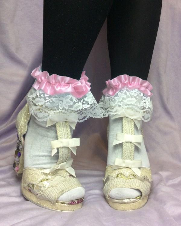 pastel-pink-ribbon-white-lace-ankle-socks