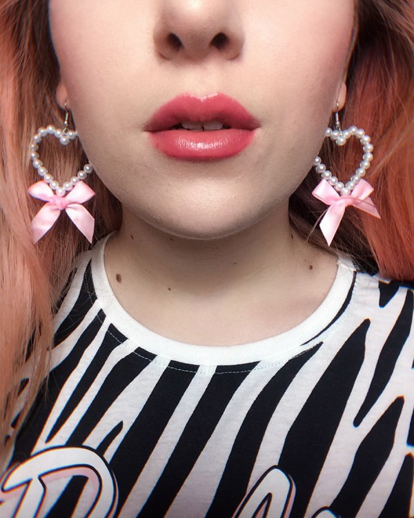 princess-silver-pearl-heart-earrings-pink-vintage-bow