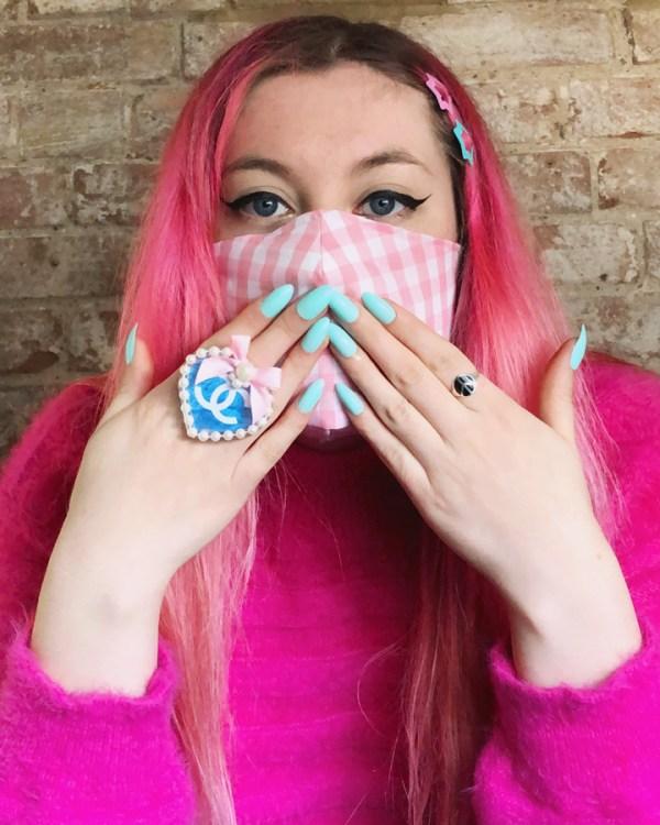 big-pink-boutique-kawaii-kei-gingham-face-mask
