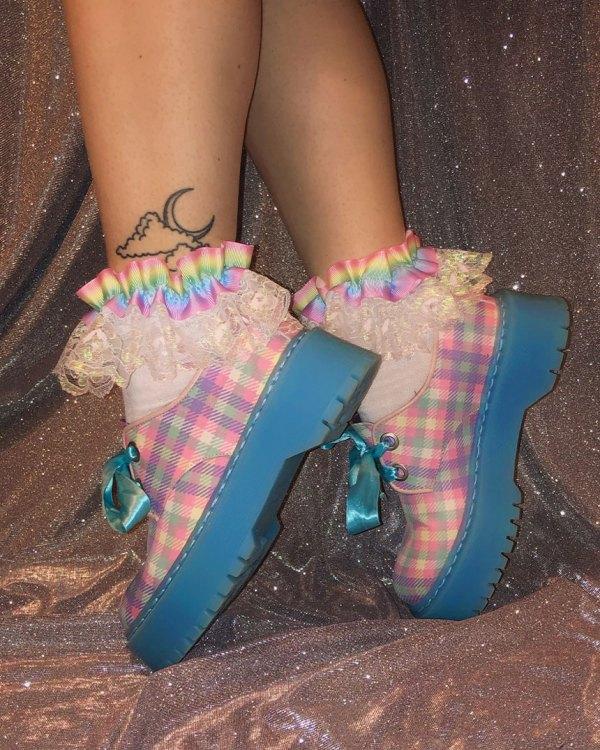 kawaii-pastel-rainbow-iridescent-shimmer-lace-socks